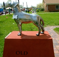 statue of Old Drum